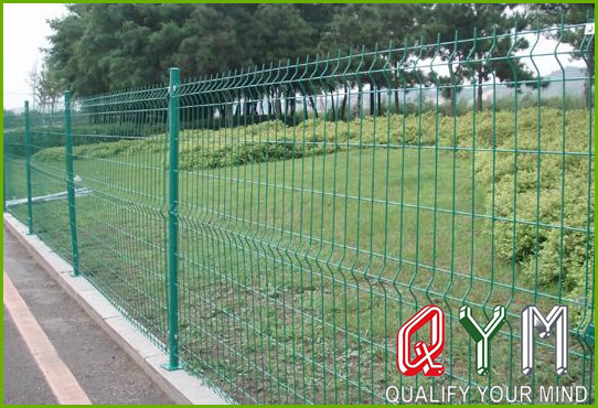 Plant isolation fence