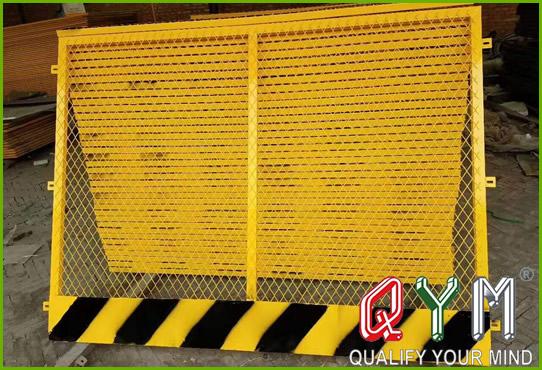 Temporary fence construction