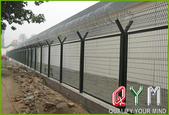 Galvanized airport concertina fence